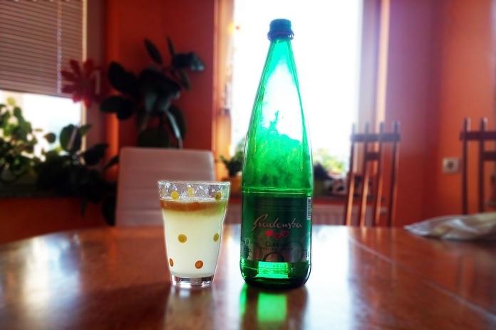 Radenska v steklenici namesto v plastenki je bolj okolju prijazna.